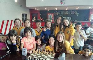 jugadores-aurinegros-en-torneo-escolar-river-nov-2018